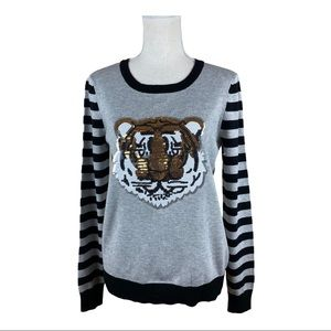 NWT.  Romeo and Juliet Couture Sweater. Size M.